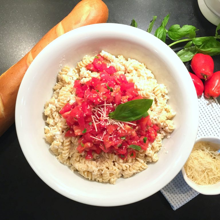 Easy Summer Tomato Pasta Recipe